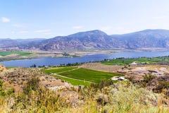 Paysage avec les montagnes et le lac Photos stock