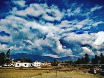 Paysage avec les nuages densed Photos libres de droits