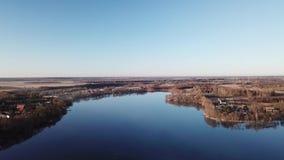 Paysage blanc de ressort de lac banque de vidéos