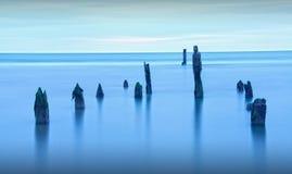 Paysage bleu de mer d'heure Photographie stock libre de droits