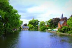 Paysage Bruges Belgique de bâtiments de lac Minnewater Images libres de droits