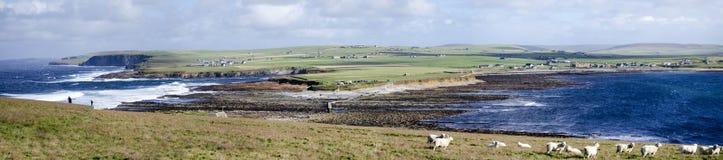 Paysage côtier panoramique dans les Orcades photo libre de droits