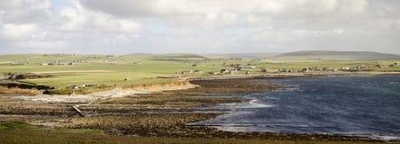 Paysage côtier panoramique dans les Orcades photos libres de droits
