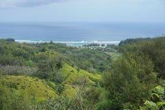 Paysage côtier de l'île de Rurutu Images libres de droits