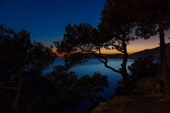 Paysage chic de nuit outre de la côte de la Mer Noire photos stock