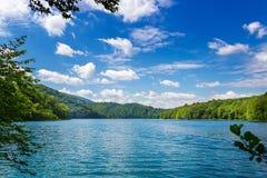 Paysage d'ÉTÉ Lacs Plitvice Stationnement national Photo libre de droits