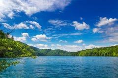 Paysage d'ÉTÉ Lacs Plitvice Stationnement national Photographie stock libre de droits