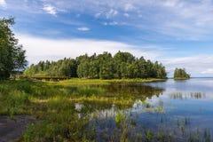 Paysage d'île de Valaam un jour ensoleillé Images libres de droits