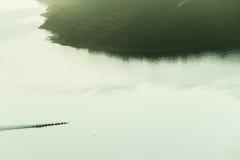 Paysage d'air de Paddlers de canoës photographie stock libre de droits