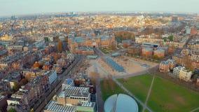 Paysage d'Amsterdam près des musées et des parcs célèbres clips vidéos