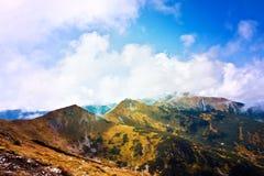 Paysage d'automne en montagnes Photo stock