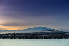 Paysage d'hiver dans le Russe Laponie, Kola Peninsula Photo stock