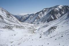 Paysage d'hiver dans les montagnes Images stock