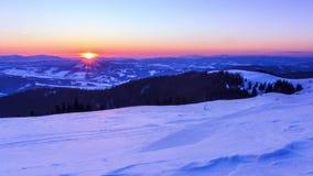 Paysage d'hiver de montagne banque de vidéos