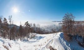 Paysage d'hiver du lac Baïkal Photos stock