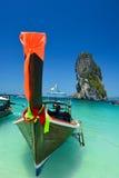 Paysage d'océan de la Thaïlande avec le bateau photos stock