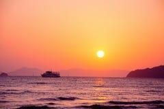 Paysage d'océan de la Thaïlande avec le bateau image libre de droits