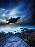 Paysage d'océan de nuit Images stock