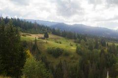 Paysage dans Carpathiens dans l'auturmn Photos libres de droits