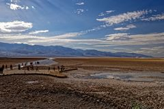 Paysage de bad-lands, Death Valley, la Californie photographie stock libre de droits