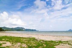Paysage de côte de baie de l'eau d'espace libre de plage d'île de mer photographie stock libre de droits