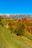 Paysage de campagne dans un villlage roumain Image stock
