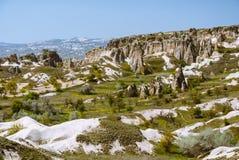 Paysage de Cappadocia avec des montagnes et des vallées Image libre de droits