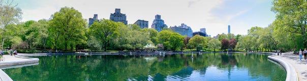 Paysage de Central Park au ressort dans NYC Image libre de droits
