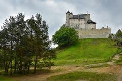 Paysage de château de Bobolice en Pologne Images stock