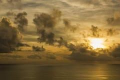 Paysage de ciel nuageux et de mer Photo libre de droits