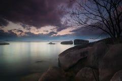 Paysage de coucher du soleil au belitung Indonésie Images stock