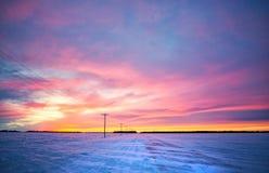 Paysage de coucher du soleil d'hiver sur les prairies Photos libres de droits