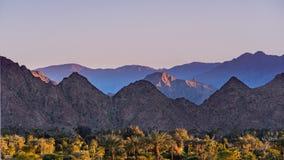 Paysage de coucher du soleil en vallée de Coachella, Palm Desert, la Californie images libres de droits