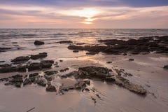 Paysage de coucher du soleil sur la mer, Thaïlande Images libres de droits
