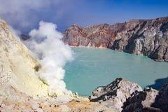 Paysage de cratère d'Ijen du cratère Java-Orientale, Indonésie Photos stock