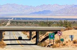 Paysage de désert outre de 10 d'un état à un autre Images stock