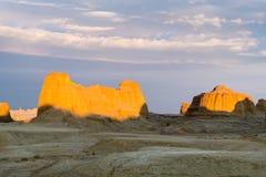 Paysage de forme de relief d'érosion de vent dans le coucher du soleil photo libre de droits