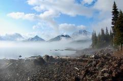 Paysage de glacier avec des nuages de matin photos libres de droits