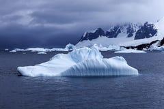 Paysage de l'Antarctique Photographie stock libre de droits
