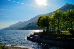 Paysage de l'Italie sur Major Lake Image stock