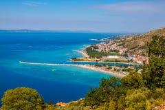 Paysage de la ville Omis, Croatie photographie stock libre de droits