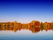 Paysage de lac autumn photos stock
