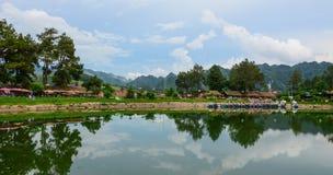 Paysage de lac dans Moc Chau, Vietnam Image stock