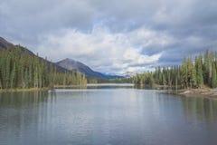 Paysage de lac grotto Photos stock