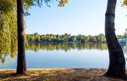 Paysage de lac Herastrau images libres de droits
