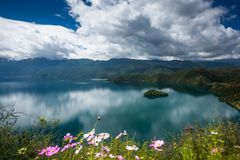 Paysage de lac Lugu Images libres de droits