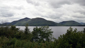 Paysage de lac mountain le long de l'A82 en Ecosse Photos stock