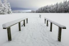 Paysage de lac de nuit d'hiver image stock