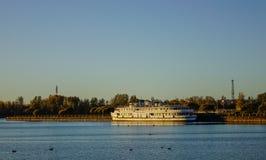 Paysage de lac de Vyborg, Russie Photographie stock libre de droits