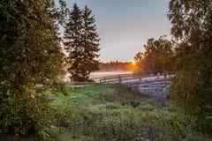 Paysage de lever de soleil avec le vieux pont Photo libre de droits